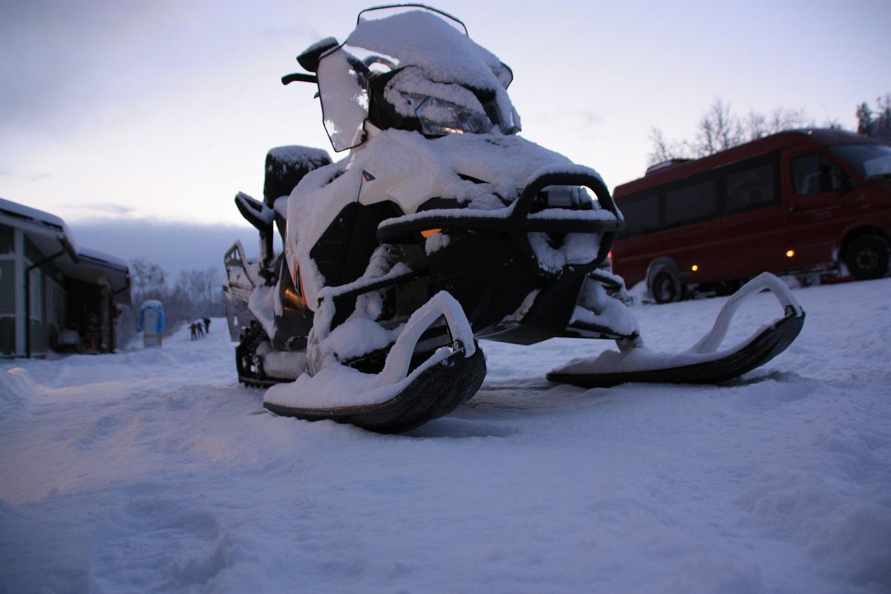 snowmobile, lapland, snow